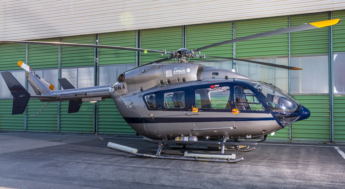 Nigel Watson Helicopter and Luxury Yachting Consulting - M-LUNA Helicopter